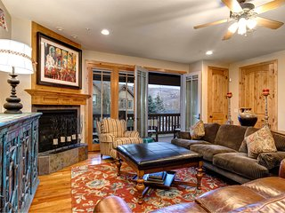 Centrally located, family-friendly townhome with private hot tub!