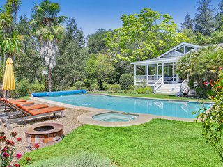 Wonderful estate with private pool & hot tub! Wine tasting nearby!