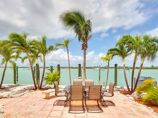 Boot Key Harbor waterfront studio with dock and amazing water views