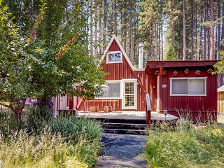 Peaceful mountain cabin - near golf, hiking trails