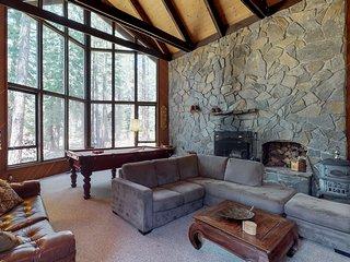 Family-friendly cabin w/ shared pool, hot tub, & tennis - near golf & skiing
