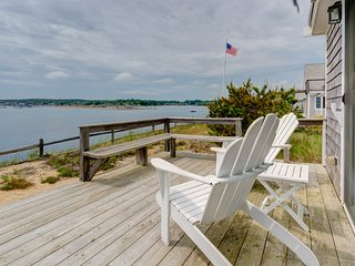 Waterfront home w/deck, patio, bay views & direct beach access!