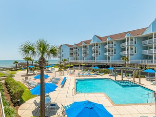 Oceanfront condo w/shared pool, community hot tub & sweeping views