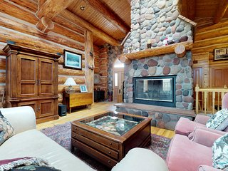 Spacious, authentic log cabin w/ views, shared pool & hot tub