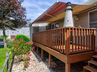 Family-friendly rental w/ patio - close to state line & the beach