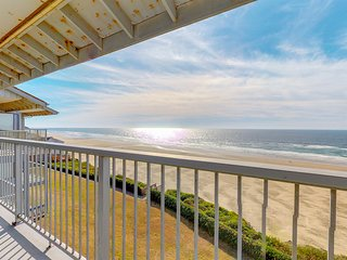 NEW LISTING! Oceanfront studio condo in Nye Beach with seasonal shared pool
