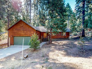 Cozy, family-friendly cabin w/shared pool and sports courts access!