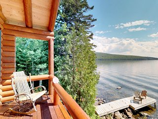 Waterfront log cabin on Moosehead Lake w/dock, kayaks & views
