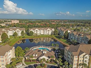 NEW LISTING! Spacious, dog-friendly condo w/shared pool/hot tub - near Disney