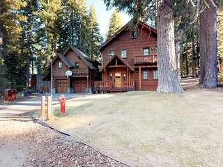 Stunning Tahoe retreat w/main home & guest house, NW side of lake