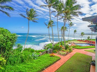 Luxury 2-story Oceanfront condo w/large lanai, views, pool & in unit hot tub