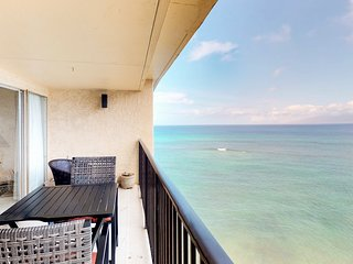 NEW! Bright oceanfront Hololani condo w/ views, shared pool & beach access
