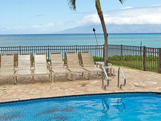 NEW! Oceanfront family friendly condo! Walk to Pohaku Park, shopping, dining!