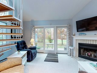 NEW LISTING! Cozy condo w/ shared pools - near beaches, bike path & Rail Trail!