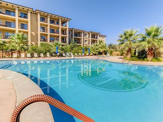 NEW LISTING! Luxurious condo w/shared pool & hot tub - near town, golf & parks