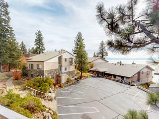 Cozy condo w/ balcony & lake views-near biking & hiking trails, beach & skiing