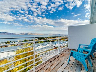 Lakeview condo with water and mountain views, shared pool/hot tub!