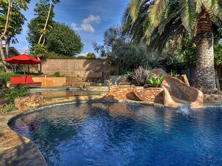 Villa-style home w/courtyard, private pool/hot tub & game room!