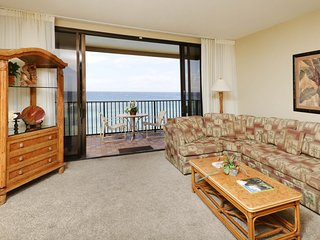 Incredible views from this waterfront condo w/ lanai plus pool & hot tubs