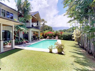 Luxurious island retreat with private pool, beautiful ocean & mountain views!