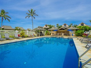 NEW LISTING! Quiet unit with separate space. Shared pool & hot tub, WiFi.