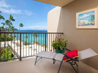 Ocean Front unit w/ updated kitchen, shared pool, deck, grills, Free WiFi
