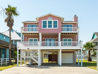 Expansive home w/incredible ocean views w/ the ultimate Crystal Beach location!