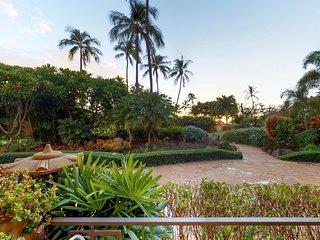 Waterfront condo with everything - resort pool & hot tub, ocean views, & lanai!