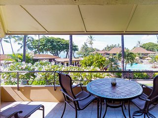 Waterfront condo - perfect for family getaway w/ nearby beach, hot tub, & pool