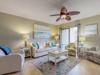 Beautiful coastal townhome with shared pool and beach access