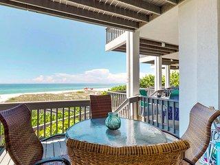 Beachfront condo w/ Gulf views, 2 decks & community pool - steps to the trolley!