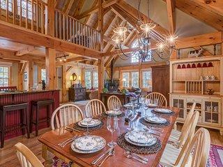 Stunning, spacious home w/ hot tub-near Breck Connect Gondola