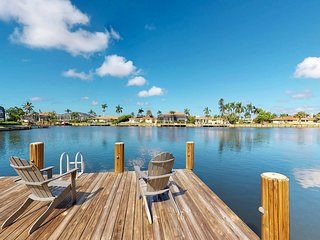 NEW LISTING! Waterfront home w/dock & private pool - free kayaks & bikes