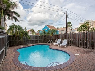 NEW LISTING! Townhome w/ private pool, deck, & patio - just 1/4 block to beach!