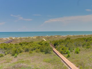 NEW LISTING! Gulf-front retreat with shared pool/hot tub and ocean views!