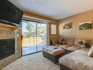 Newly renovated townhome close to Dillon Reservoir & 7 ski resorts!