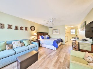 Inviting, waterfront studio w/ beach access & a shared, heated pool
