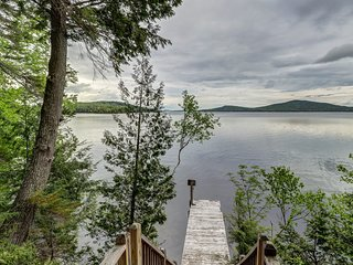 Lakefront home w/ dock, firepit & 2 decks - dogs OK, great for summer & winter!