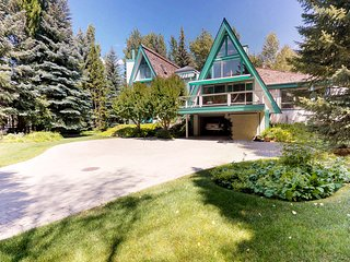 NEW LISTING! Spacious home w/private hot tub and two decks for mountain views!