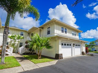 Hawaiian condo w/shared pool & hot tub - close to golf, beach