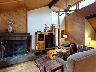 Dog-friendly condo w/ wood-burning fireplace, deck, shared pool, & hot tub