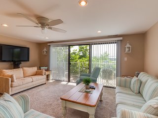 Comfortable family-friendly condo w/ a private balcony & shared indoor pool