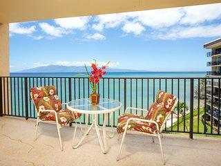 NEW! Oceanfront Hololani condo w/breathtaking views near beach & shared pool