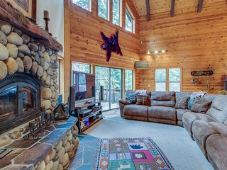 Spacious mountain home w/ shared pool & foosball - near slopes, golf, and lake!