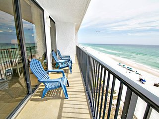 Spacious condo w/heated pool & views - near the beach, 2 dogs OK!