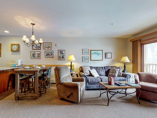 Walk to the slopes from this condo w/great views, shared pool, hot tub & sauna!