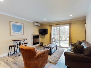 Modern condo near downtown and river trail!