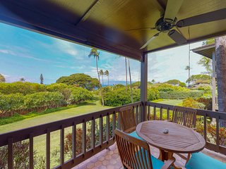 Charming, ground floor condo with private lanai & sparkling resort pool