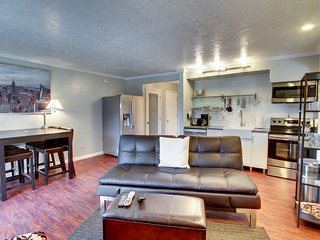 Recently updated condo - near downtown and hiking trails!
