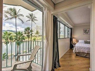 NEW! Waikiki Apt w/ Beautiful View + FREE PARKING!